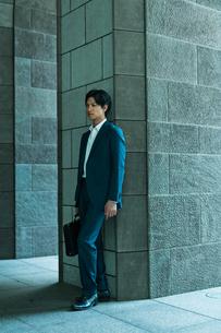 若いアジア人のビジネスマンの写真素材 [FYI04645654]