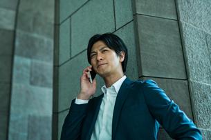 若いアジア人のビジネスマンの写真素材 [FYI04645675]