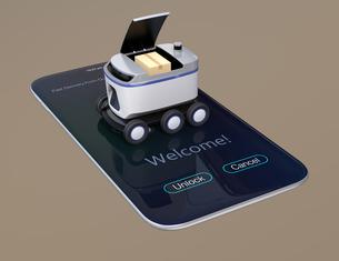 スマートフォンの上にあるデリバリーロボットのイメージ。ラストワンマイルコンセプトの写真素材 [FYI04645944]