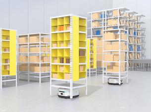 商品棚を運んでいるAMR自律型協働ロボットのコンセプトイメージの写真素材 [FYI04646040]