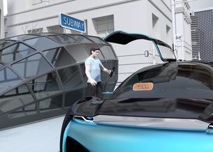 スマートフォンで自動運転車を予約し、乗車する人のクローズアップイメージ。ライドシェアコンセプトの写真素材 [FYI04646065]