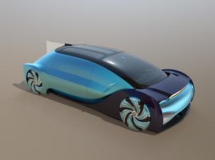 メタリックブルーの自動運転電気自動車高級サルーンのイメージの写真素材 [FYI04646264]