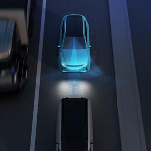自動ブレーキをかけて追突事故を回避したイラスト。自動ブレーキのコンセプトのイラスト素材 [FYI04646362]