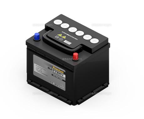 白バックに黒色のカーバッテリーのアイソメイメージの写真素材 [FYI04646432]