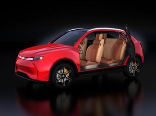 メタリックレッド色の電動SUVのインテリアイメージの写真素材 [FYI04646604]