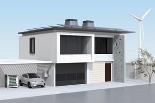 EV使用済みのバッテリー再利用リユースシステムで電気自動車や家に電力供給するコンセプトの写真素材 [FYI04646628]