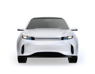 白背景にシルバー色の電動SUVの正面イメージの写真素材 [FYI04646646]
