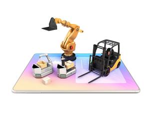 デジタルタブレットの上にある産業ロボット、AGV、フォークリフトのイメージ。工場自動化のコンセプトの写真素材 [FYI04646821]