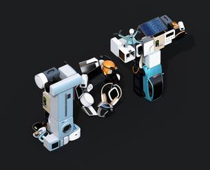 スマート家電と電気自動車で表現したIoT文字。アイソメ図。暮らしにあるモノのインタネットコンセプトの写真素材 [FYI04646924]