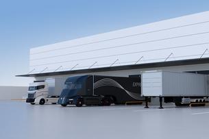 物流センタートラックターミナルの前に電動トラックのイメージの写真素材 [FYI04646947]