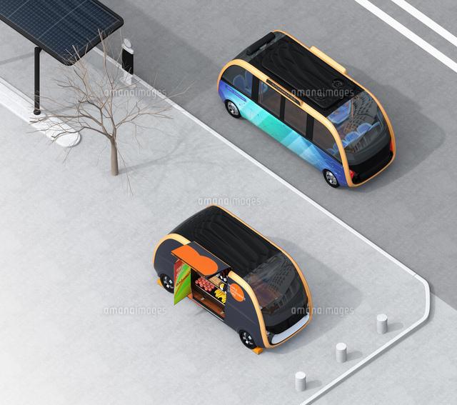 共通プラットフォームを有する自動運転バスと無人販売車のイメージ。無人運転、無人販売のコンセプトの写真素材 [FYI04647017]
