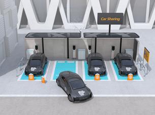 カーシェアリング専用駐車場に充電している電気自動車のイメージの写真素材 [FYI04647065]