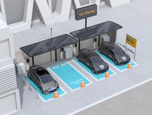カーシェアリング専用駐車場に充電している電気自動車のイメージの写真素材 [FYI04647066]