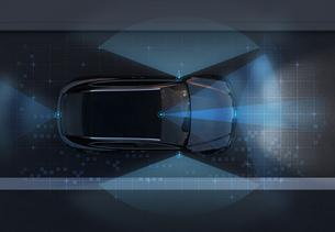 自動運転車の運転補助センサが作動する範囲を示すイラストのイラスト素材 [FYI04647087]