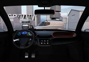 自動運転車の運転席から見る交差点のイメージの写真素材 [FYI04647094]