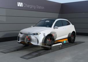 バッテリー交換ステーションにバッテリーを交換している電動SUVの構造イメージの写真素材 [FYI04647142]