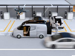 配達中の宅配車の天井から飛び立つ配達ドローンのイメージ。ラストワンマイルコンセプトの写真素材 [FYI04647210]
