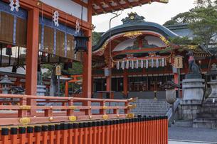 伏見稲荷大社 本殿の写真素材 [FYI04647300]
