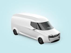 車体にコピースペース入りの白色電動配送ミニバンのイメージの写真素材 [FYI04647320]