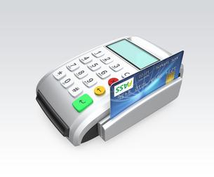 クレジットカード決済用端末でカードをスキャンするの写真素材 [FYI04647362]