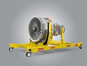 エンジンスタンドに収納されたジェットファンエンジンの写真素材 [FYI04647636]