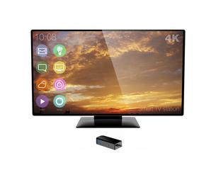 スティック型PCと4Kテレビの写真素材 [FYI04647748]