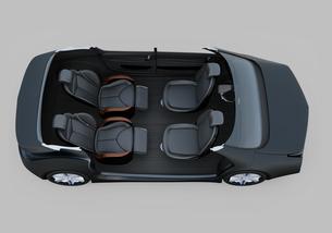回転可能な前方シートとリクライニング、マッサージ機能付きの後部シートの自動運転車用レイアウトの写真素材 [FYI04647818]