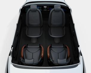 クルマの後部視点から見る自動運転車のシートレイアウトカットモデルイメージの写真素材 [FYI04647825]