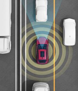 クルマの車線維持、自動ブレーキのコンセプトイメージの写真素材 [FYI04647846]