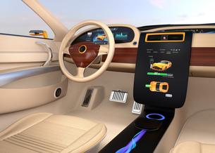 電気自動車のセンターディスプレイにクルマの充電状態が表示中の写真素材 [FYI04647859]