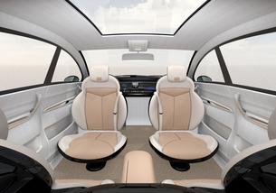 自動運転車のインテリアのカットイメージ。シートが向き合う状態に調整されたの写真素材 [FYI04647980]