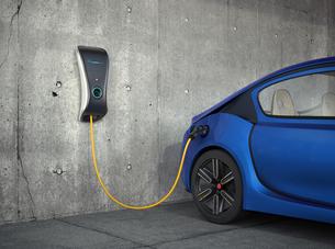家庭用電気自動車充電器のコンセプトイメージ。オリジナルデザインの写真素材 [FYI04647988]