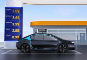 電気自動車用急速充電機が備えるサービスステーションに充電している自動運転車のイメージの写真素材 [FYI04648072]