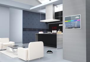 キッチンの横スマートホームコンソールパネル。タッチ操作で温度管理、換気調整などが可能の写真素材 [FYI04648078]