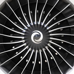 ジェットファンエンジンのブレードの写真素材 [FYI04648113]