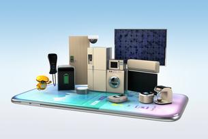 スマートフォンで家電を制御、モニタリングするコンセプトの写真素材 [FYI04648254]