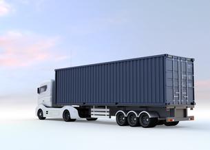 メタリックブルーのトラックが紺色のコンテナを運ぶの写真素材 [FYI04648299]