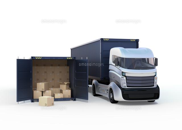 白色のトラックと扉を開けたままのコンテナの写真素材 [FYI04648301]