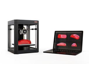 CAD設計ノートパソコンと3Dプリンタのイメージの写真素材 [FYI04648333]