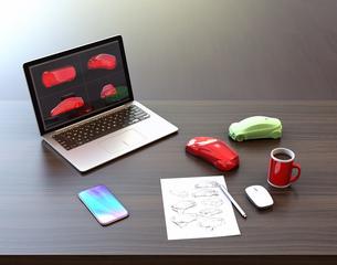 スケッチ、ノートパソコンと出力サンプル。デザインワークスペースのイメージの写真素材 [FYI04648335]