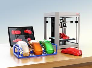 ノートパソコン、3Dプリンタと異なる質感の出力サンプルのイメージの写真素材 [FYI04648340]