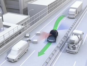 高速道路の落下物を回避したクルマ。障害物回避支援のコンセプトイメージの写真素材 [FYI04648398]