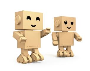 白バックにかわいいダンボール箱ロボットのイメージの写真素材 [FYI04648518]