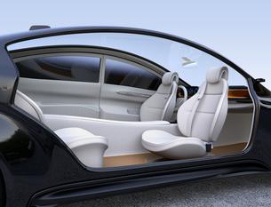 自動運転電気自動車のインテリアイメージ。前列シートが後部に向かっているの写真素材 [FYI04648536]