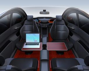 自動運転車の運転席イメージ。タッチスクリーン操作で音楽再生やビデオ視聴が可能の写真素材 [FYI04648564]