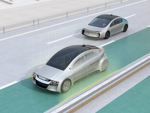 自動運転車の車線維持支援のコンセプトイメージの写真素材 [FYI04648617]