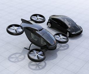 自動運転車とドローンタクシー。車とドローンのシェアリングビジネスで快速移動手段を提供するコンセプトの写真素材 [FYI04648631]