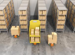 荷物を運搬する自動運搬ロボット。物流支援ロボットのコンセプトの写真素材 [FYI04648817]