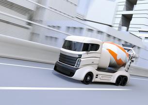 高速道路に走行しているトラックミキサのCGイメージの写真素材 [FYI04648974]