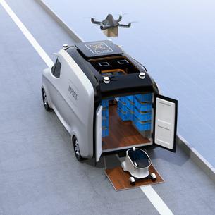 自動運転宅配車、配達ドローンとロボット。ラスト1マイルコンセプトの写真素材 [FYI04649017]